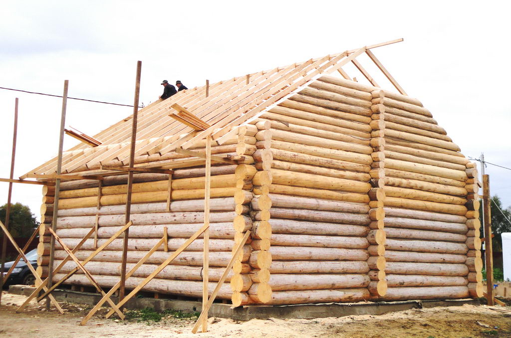 Как сделать крышу на срубе из бруса